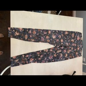 Lululemon luxtreme rose leggings